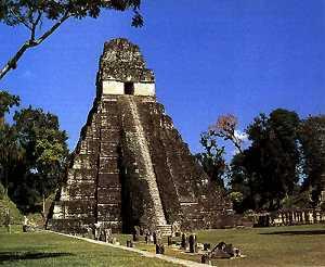 Пирамида I в Тикале